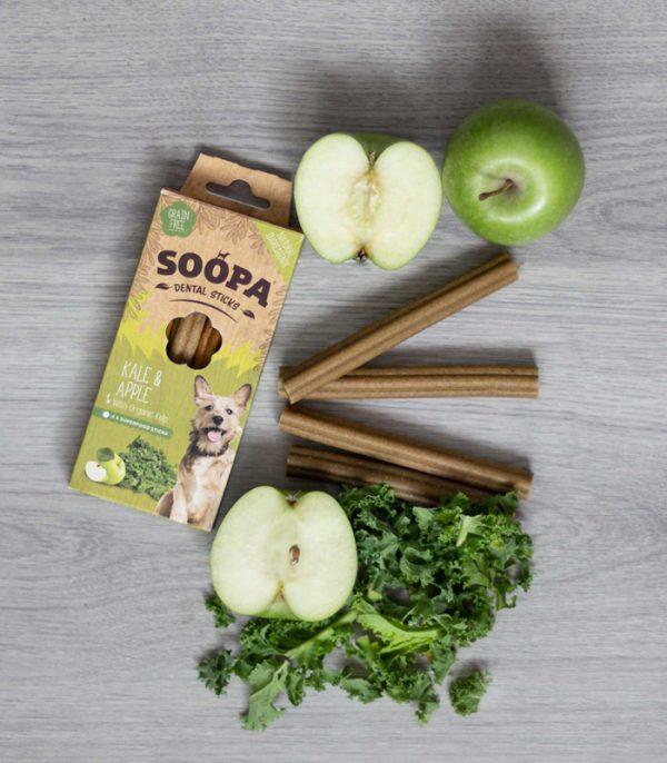 Sujet mit Äpfel, Kohl und den Soopa Dental Sticks Apfel-Kohl